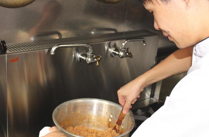 チキンベースのスープ